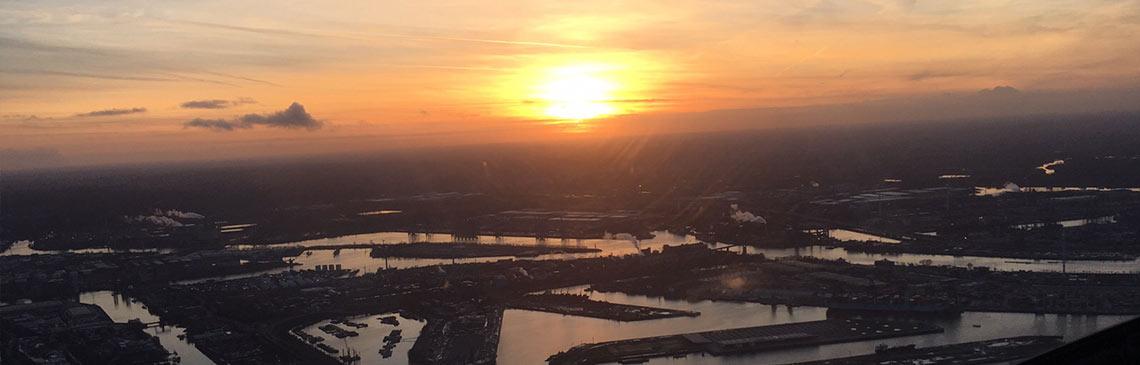 Der Helikopter-Rundflug über Hamburg wird ein Erlebnis, dass Sie nicht so schnell vergessen werden!