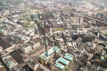 Entdecken Sie die unglaubliche Schönheit dieser Stadt aus der Luft